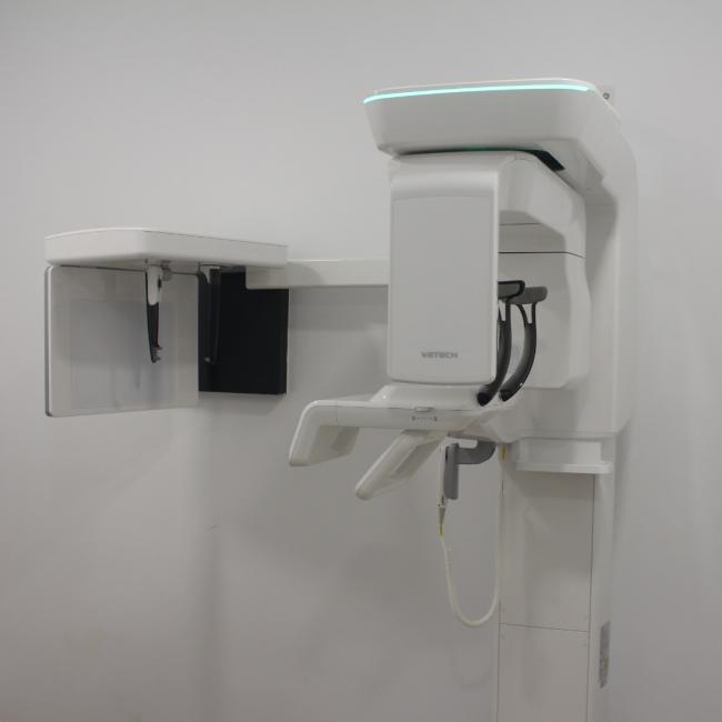 Interior de la clínica - maquinaria